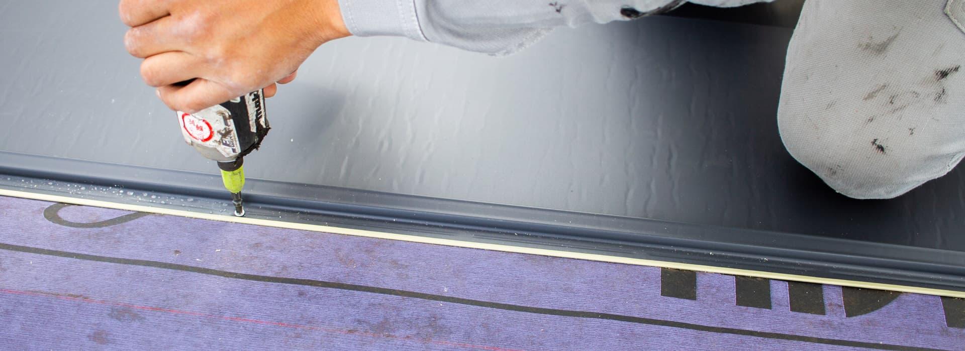 大阪の屋根工事・雨漏り修理・雨樋工事業者|輝匠建業の大阪の屋根工事・葺き替え工事・建築板金工事にて輝匠建業がおすすめする屋根材