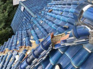 泉大津市にてS型瓦の棟部積み直し工事 施工前