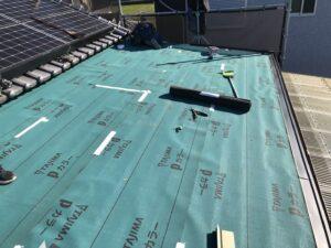 河内長野市にてカラーベスト屋根の雨漏り修理 ルーフィング施工