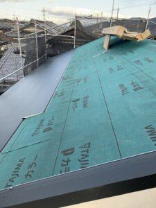 断熱材入りガルバリウム鋼板、「横暖ルーフαS」葺き替え