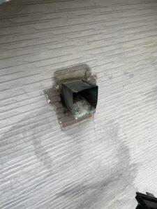 雨樋修理中の様子