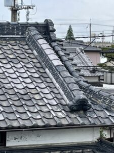 大屋根降り棟、冠瓦補修